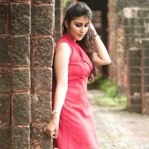 Sonalika - Indore, : I'm a Spanish learner  I'll teach as I