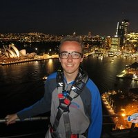 3rd year student studying at QUT giving economics help and support in Brisbane