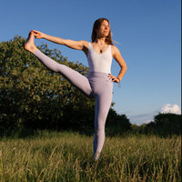 800h certified yoga teacher l experienced in private and group teachings l all levels & bodies welcome