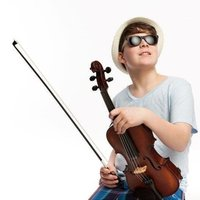 I can give violin and viola lessons to beginners from kids to adults in Melbourne
