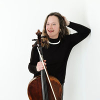 Cellist extraordinaire who likes sharing the love of sound seeks bright pupils