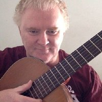 Classical guitarist teaching beginner guitarists over 18, in Brisbane, individually or in groups