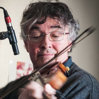 Concert violinist and retired university lecturer with 30+ years of performance, recording and teaching experience gives private violin lessons at home. Suit all ages and levels for classical and folk