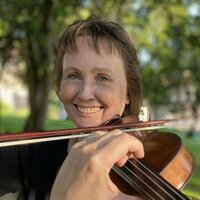 Concert violinist  in Madrid, with more than 20 years experience in teaching