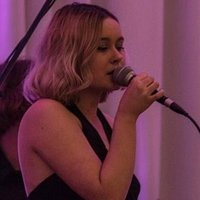 Current contemporary music WAAPA student teaching vocals in the Warnbro Area (WA)