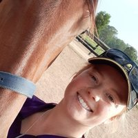 Diploma Of Equine Management graduate assists secondary students in math and science