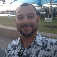 I'm Edson, Brazilian student in Australia and l can teach Portuguese