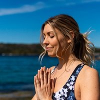 Experienced Yoga teacher in Sydney teaches private Yoga classes for beginners and groups!