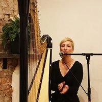 Harp teacher for pedal and lever harp offering tuition in Trinity Guildhall London and AMEB exams. Specialising in creativity, improvisation, artist development, singing and playing for live performan