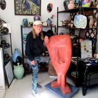 Hello, I teach Pottery in Riddle, Oregon with 33 years experience to help you.