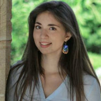 Italian classically-trained pianist, Elisa has successfully taught a number of students who needed a hand for their AMEB and ABRSM exams, while her professional experience focuses on both piano tuitio