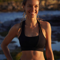 Jana Rybarova- Sydney based fitness instructor. Specialised in hatha/vinyasa/yin yoga and mat pilates.