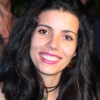 Letícia Batisteli , Brazilian, will be amazed by the experience of teaching Portuguese to whom is interested in this amazing language.
