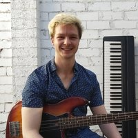 Melbourne bassist/teacher provides bass guitar lessons and video content for all levels