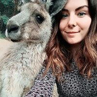 Native French passionate about teaching her native tongue in Sydney, experienced and patient with beginners