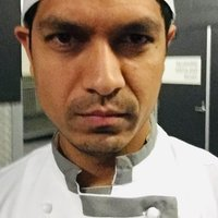 Pastry chef experienced in 5 star hotel and 2/3 hat restaurants would like to share knowledge and creativity