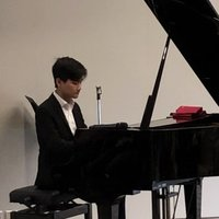 Private lessons for beginner-intermediate pianists. Enjoy lessons with a LmusA diploma qualified teacher