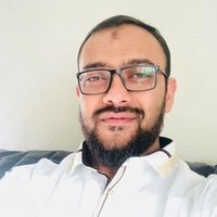 IT Professional with 12 years of experience in SQL, mentoring a team of 5 developers