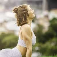 Qualified yoga teacher of Vinyasa flow in Sydney for all levels, ages and genders.