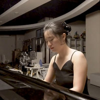 Queensland Conservatorium student gives music lessons (Theory/piano lessons) to beginners until advance level.