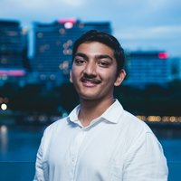 QUT Engineering and Computer Science student gives tutoring to High school and uni students in Brisabne area