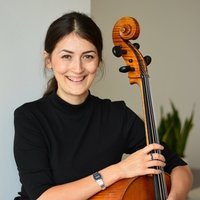 Result-oriented professional cellist and teacher with 12+years experience shares online cello lessons