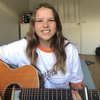 Ryleigh Paige music offers guitar teaching and reading to beginners in Wollongong