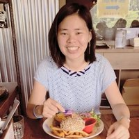A Taiwanese Student gives lessons to people who want to learn Chinese in Darwin
