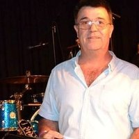Tony teaches entry and intermediate level drums and didgeridoo in the shoalhaven