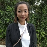 UNSW Journalism student gives English tuition to students from Chinese speaking backgrounds.