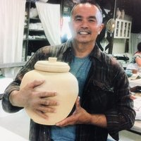 I would like to share my ideas and experiences in clay pottery