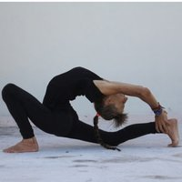Yoga and martial art informed, for movement theraphy for back and joint issues